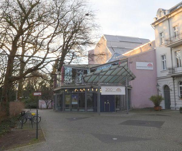 959px-Brandenburger_Theater_4